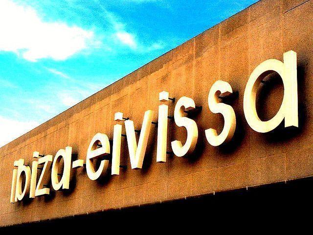 Trabajar en el aeropuerto de Ibiza este verano