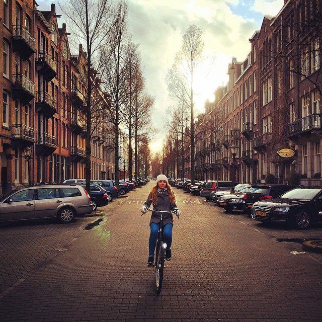 beca-para-estudiar-en-el-extranjero-bici