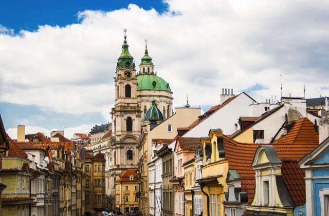 trabajar en republica checa oportunidades para personas que hablan español
