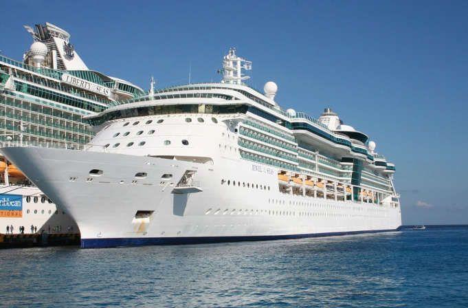 buena venta recogido Calidad superior La compañía de cruceros Royal Caribbean busca empleados