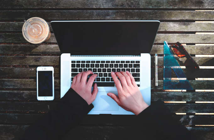5 web para trabajar y ganar dinero como redactor freelance