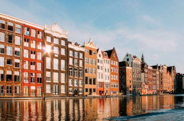 Trabajar en Amsterdam: Cómo encontrar empleo en este destino