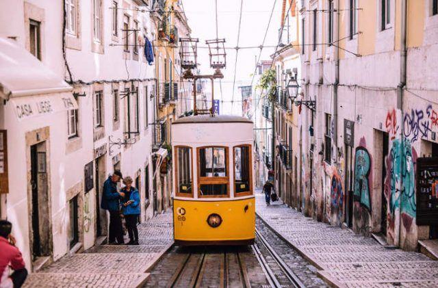 becas para viajar por Portugal para escritores de viajes