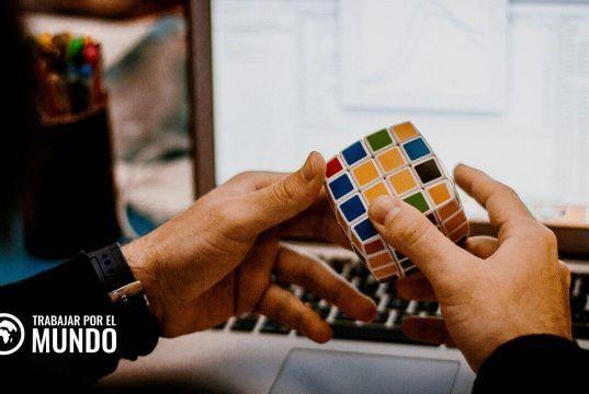 50 Hobbies que puedes añadir a tu currículum para destacar habilidades blandas buscadas por las empresas.