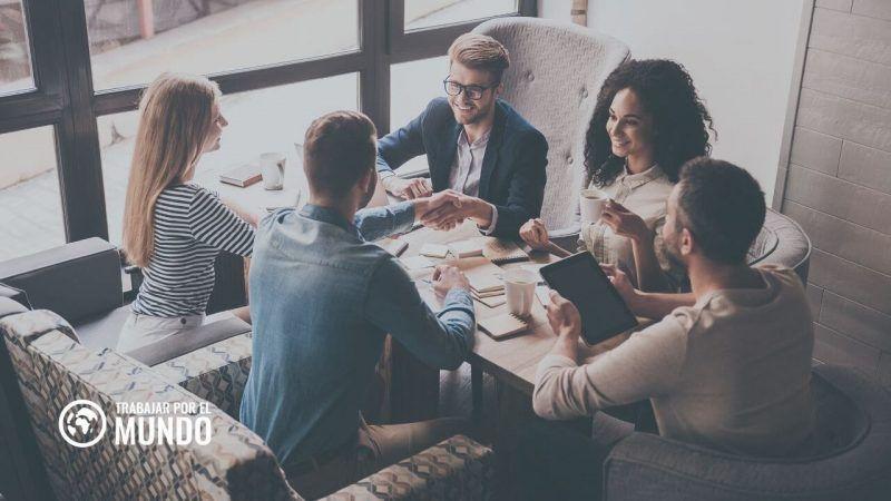 grupos de Facebook para establecer contactos de trabajo