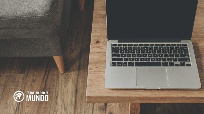 Outsourcely plataforma conecta a profesionales con empresas