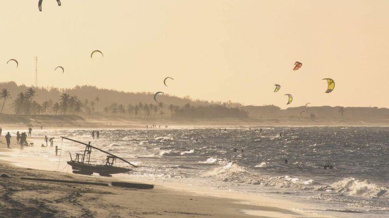 Praia de Cumbuco nómada digital kitesurf